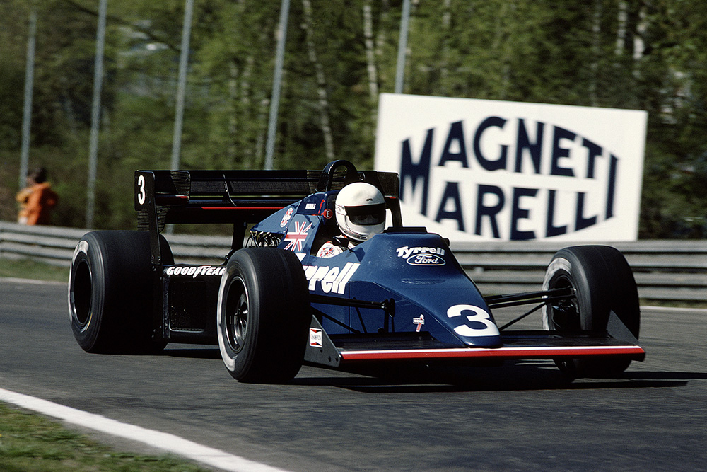 Martin Brundle in a Tyrrell 012 Ford.