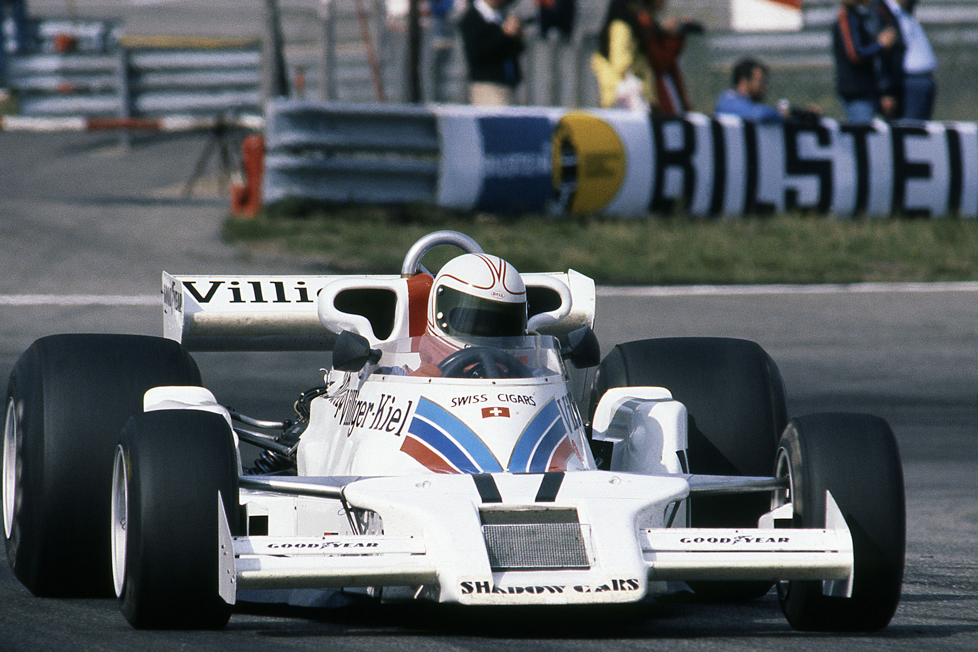 Alan Jones (Shadow) at the 1977 Austrian Grand Prix, Österreichring.