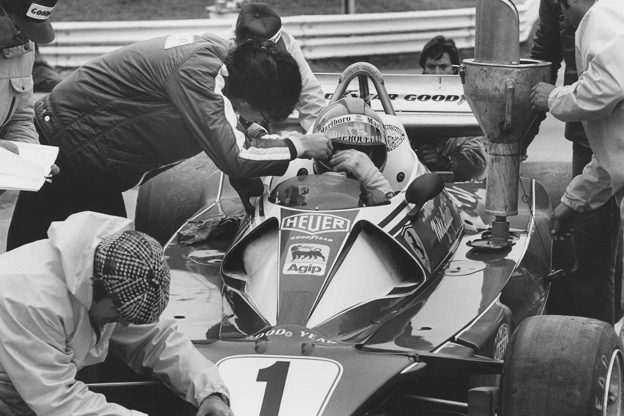 Niki Lauda (Ferrari) sits in his car at the 1976 United States Grand Prix East, Watkins Glen.