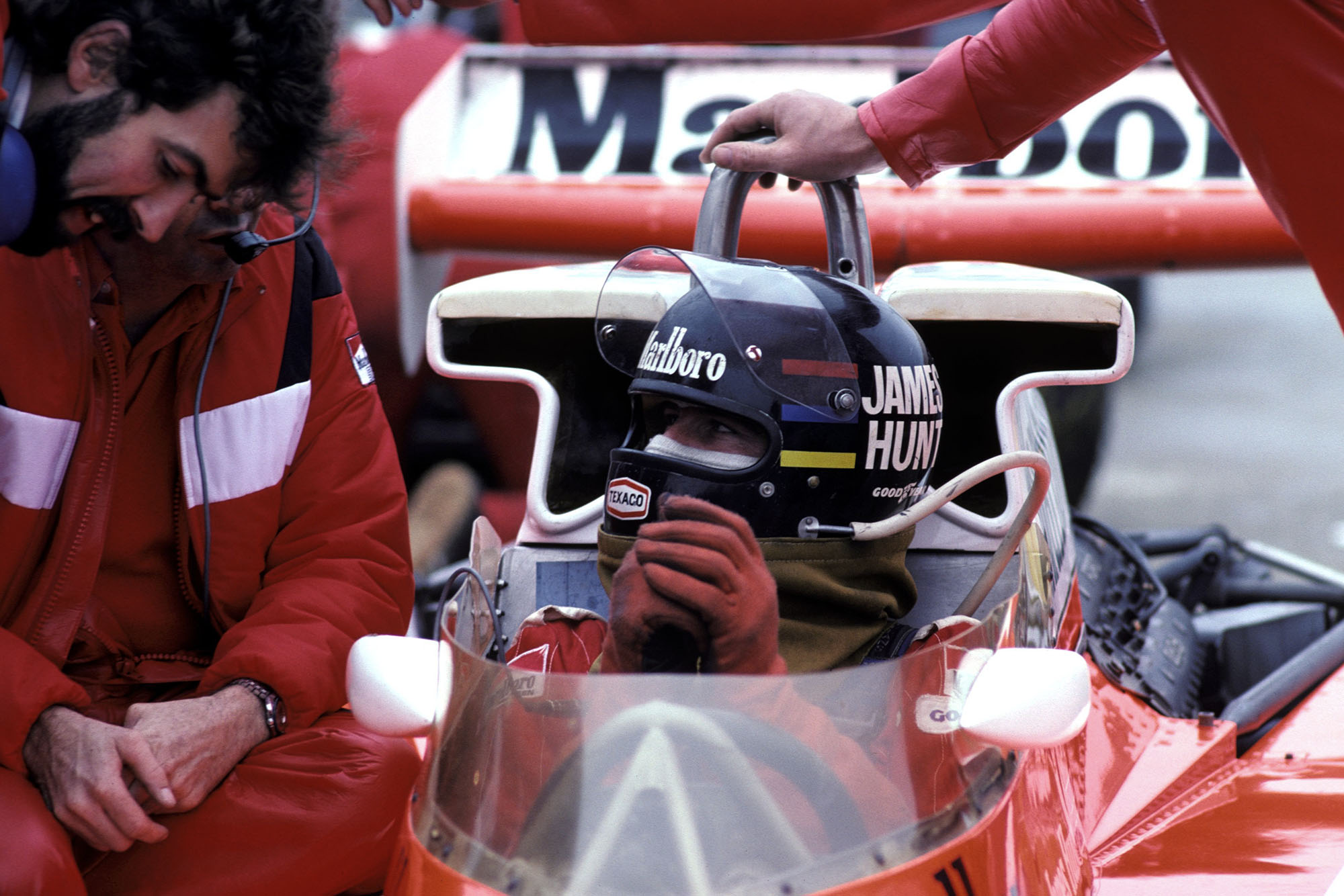 James Hunt (McLaren) sits in his car at the 1976 United States Grand Prix East, Watkins Glen.