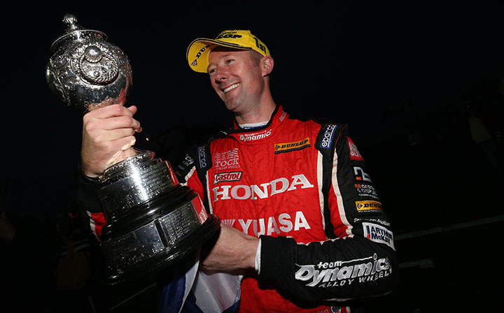 Shedden wins second title