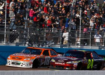 Gordon rediscovers NASCAR form