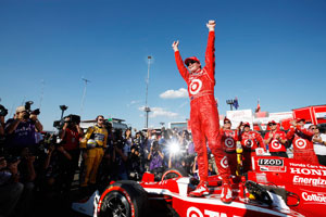 Power extends IndyCar lead