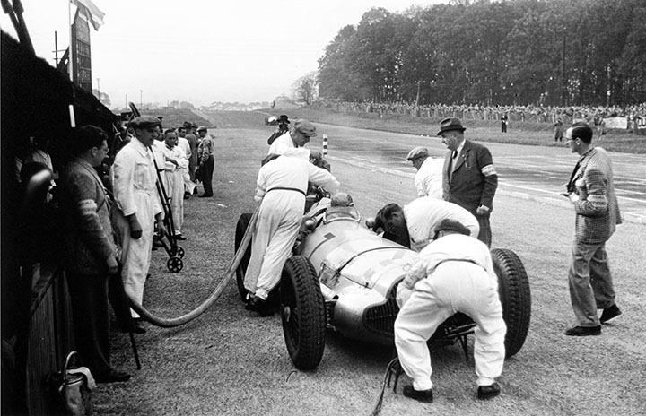 Great racing cars: 1938-39 Mercedes-Benz W154