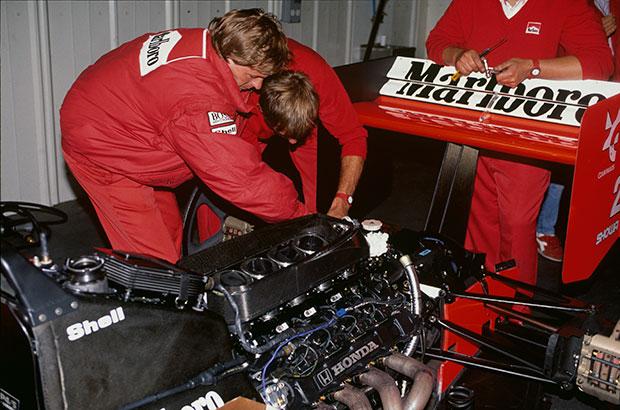 Honda returns to F1