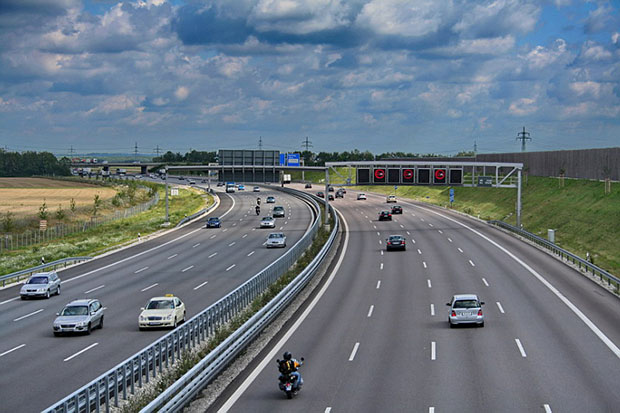 Autobahns to stay without limits