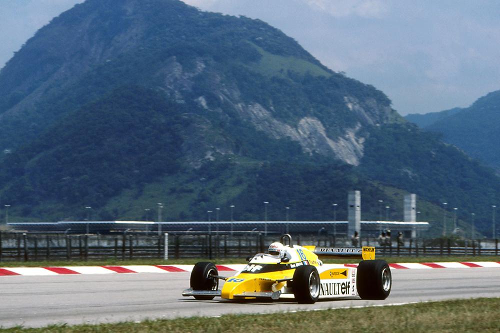 Rene Arnoux in his Renault RE20.