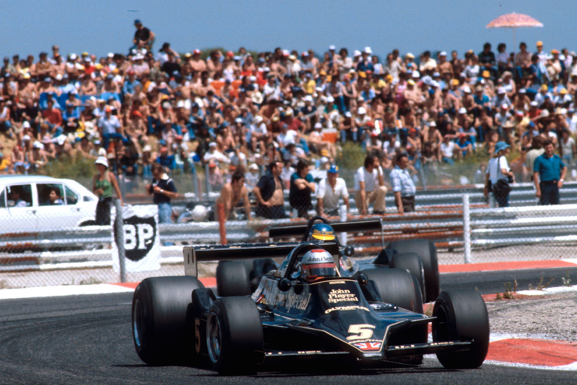 Mario Andretti (Lotus) leads team-amet Ronnie Peterson at the 1978 French Grand Prix, Paul Ricard.