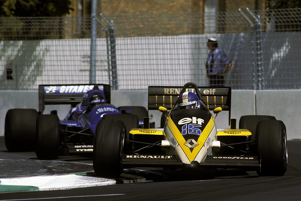 Derek Warwick in his Renault RE60B leads Jacques Laffite (Ligier JS25). H.e retired from Renault's last race as a manufacturer on lap 58 with a transmission failure