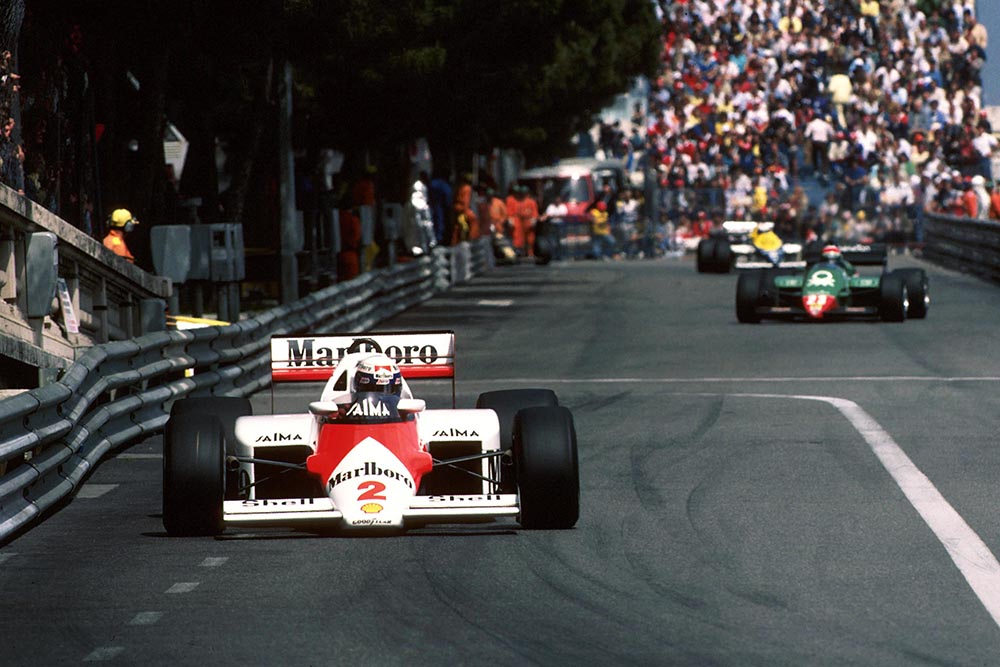 Race winner Alain Prost leads the pack in his McLaren MP4/2B.