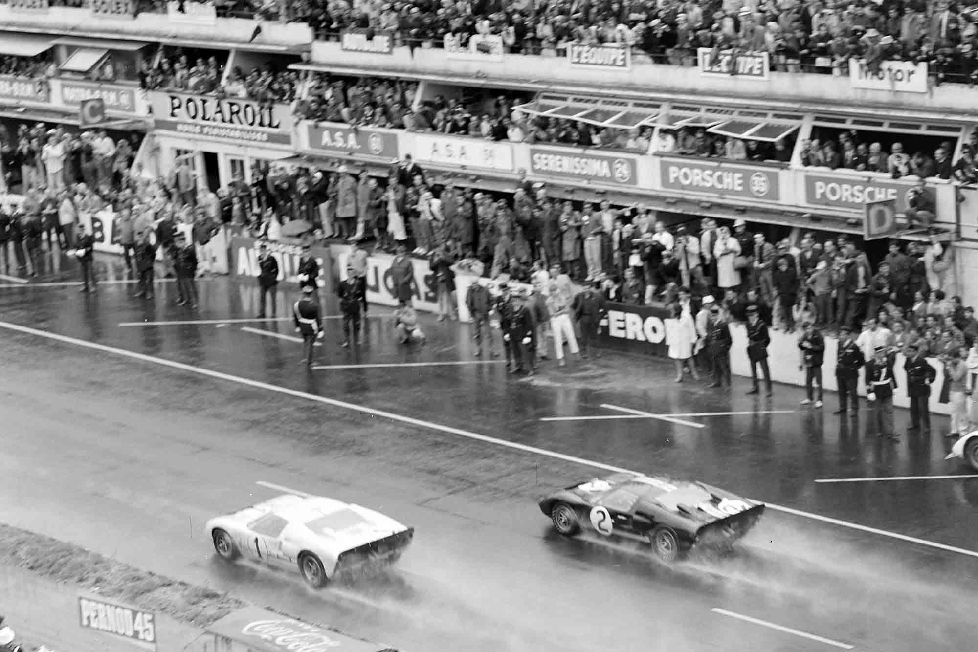 The Ford drivers hesitantly attempt a formation finish
