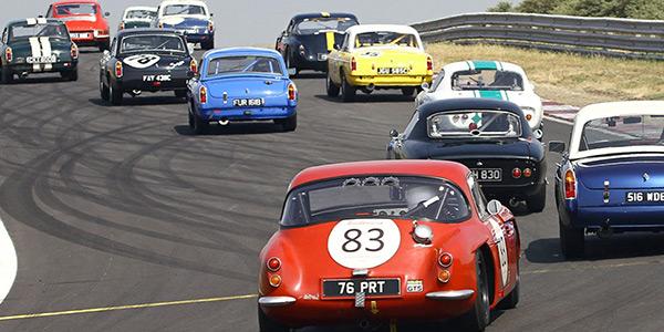 Classic GTs at sand-strewn Zandvoort