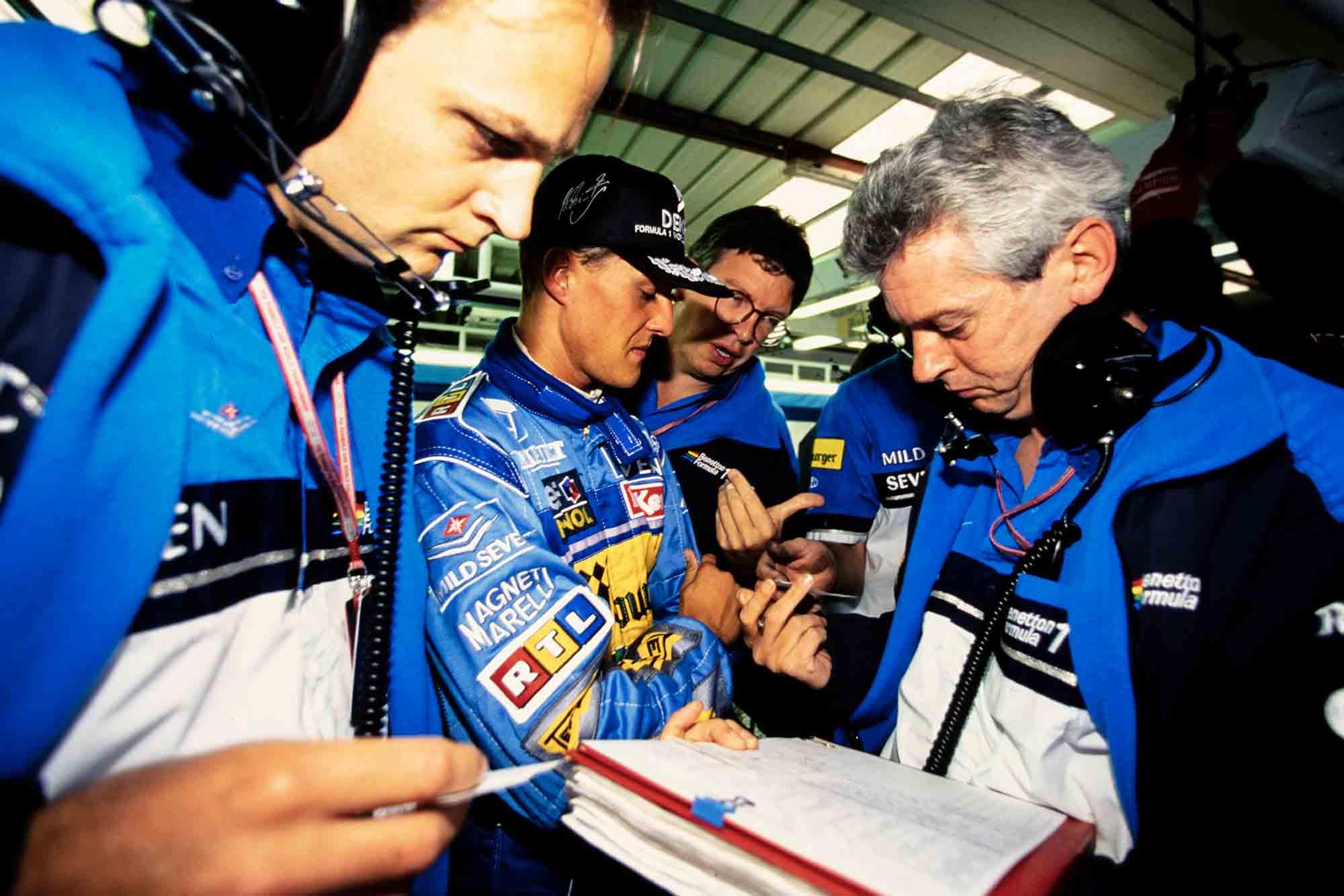 Michael Schumacher, Ross Brawn, Pat Symonds in the Benetton