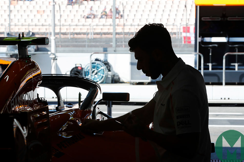 MPH: McLaren gears up for 2019 amid Alonso return rumours