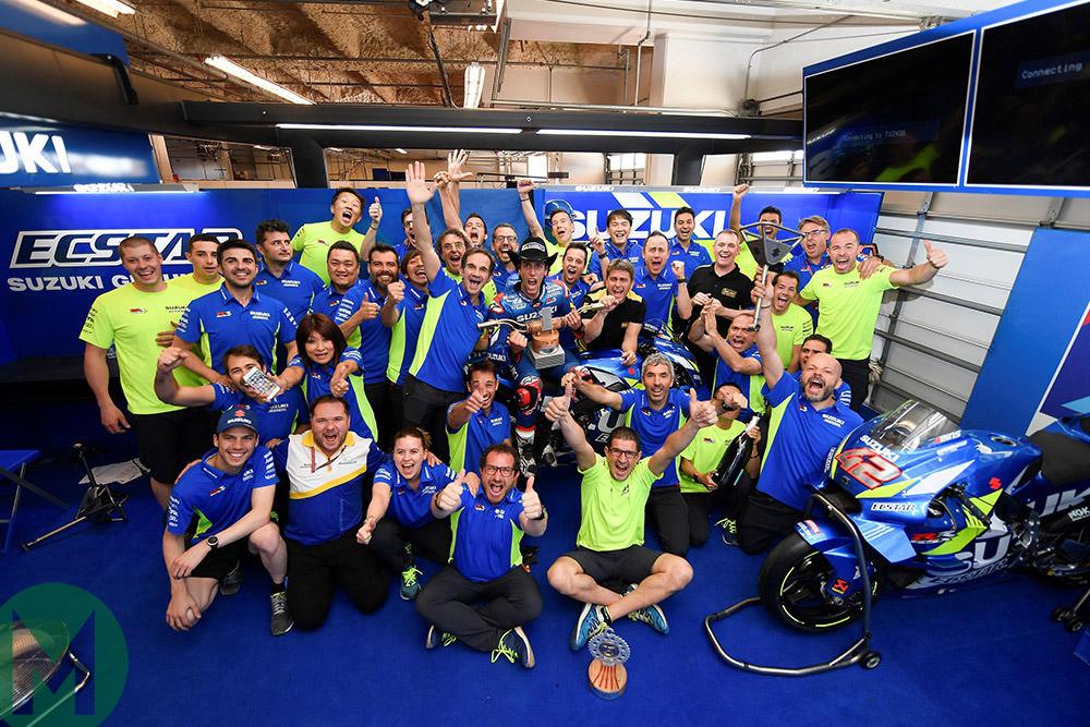 2019 MotoGP Alex Rins celebrates with team at COTA