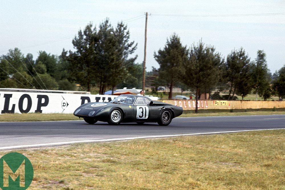 Rover-BRM turbine car at Le Mans 24 Hours in 1965
