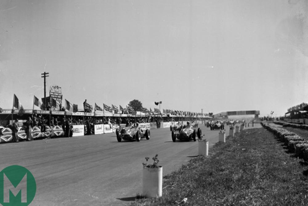 Luigi Fagioli leads Juan Manuel Fangio and Giuseppe Farina at the start of the 1950 British Grand Prix
