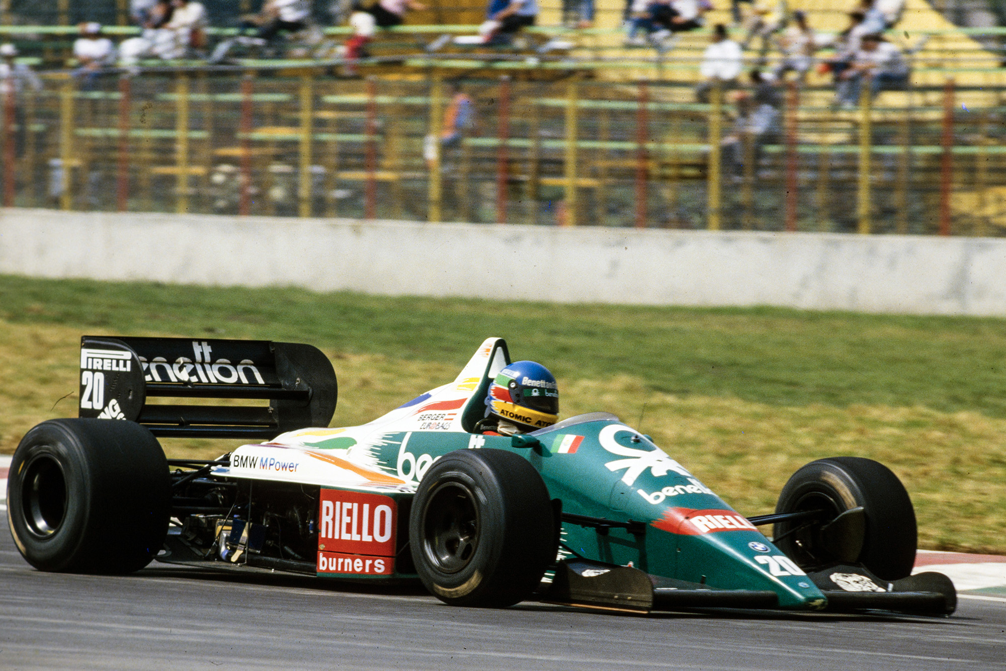 Gerhard Berger in his Benetton B186 BMW at the 1986 Mexican Grand Prix