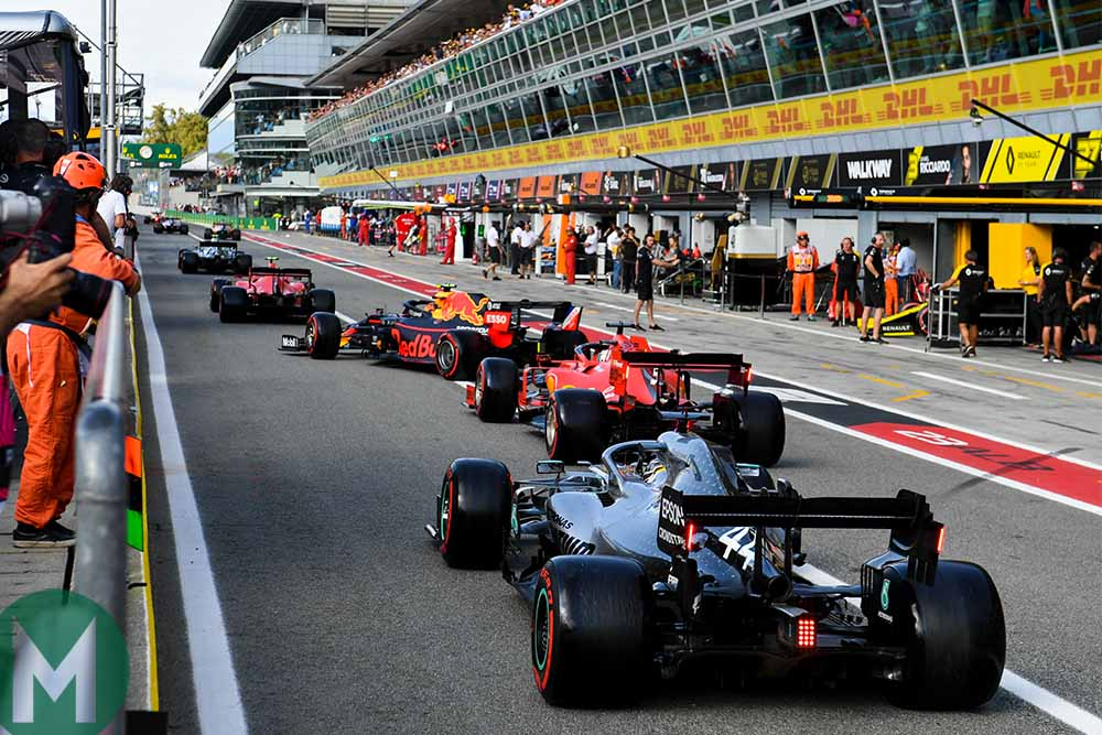 All the drivers leave the pit lane at once during the final minutes of Q3 at the 2019 Italian Grand Prix