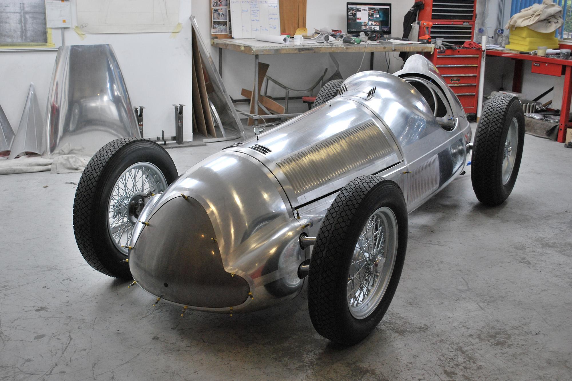 Alfa 158 in bare aluminium