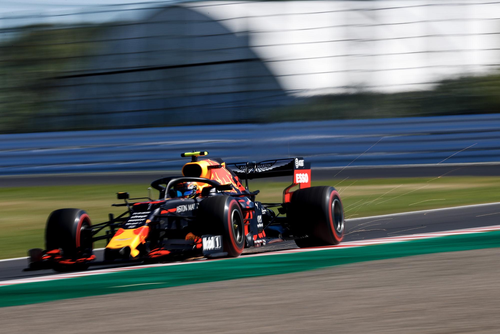 Alex Albon qualifying for the 2019 F1 Japanese Grand Prix