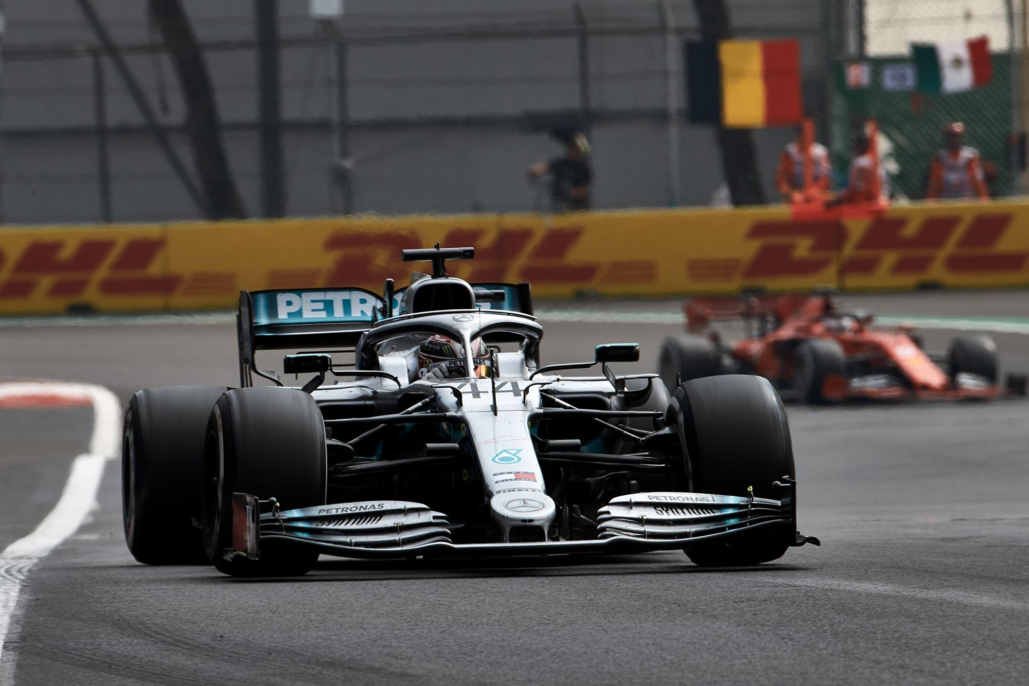 Sebastian Vettel behind Lewis Hamilton at the 2019 F1 Mexican Grand Prix