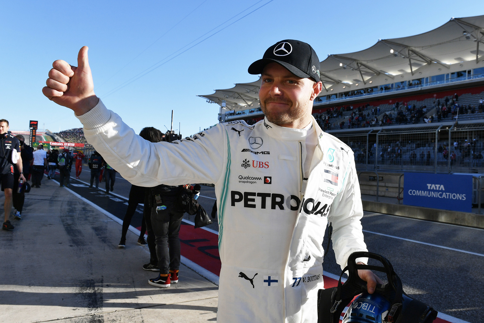 Valtteri Bottas gives the thumbs up after qualifying on pole for the 2019 US Grand Prix