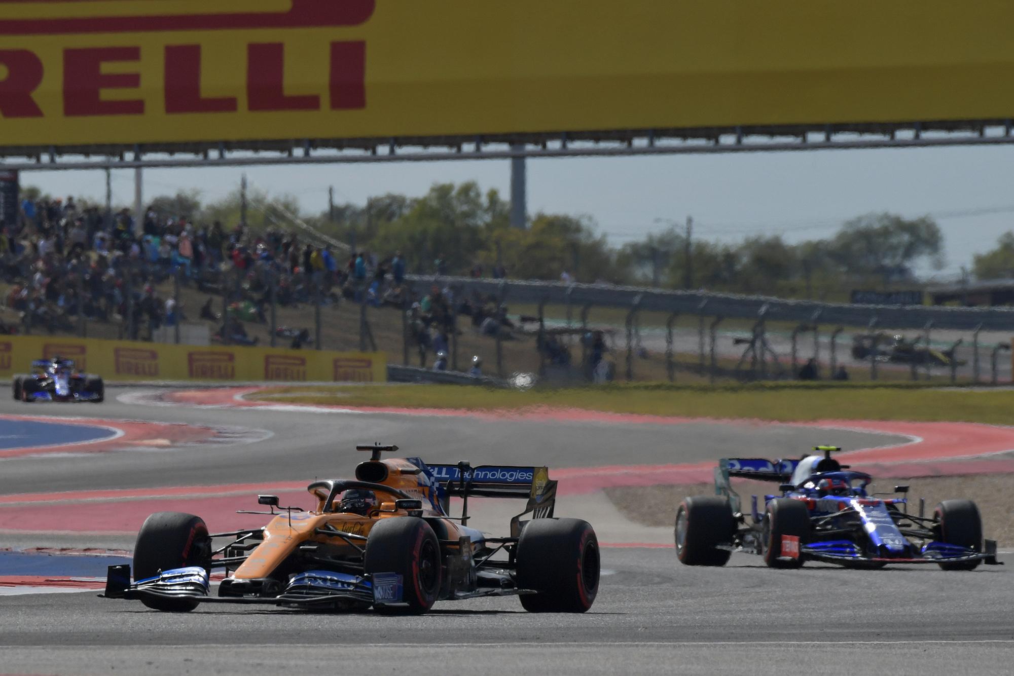 Carlos Sainz ahead of Daniil Kvyat during qualifying for the 2019 US Grand Prix