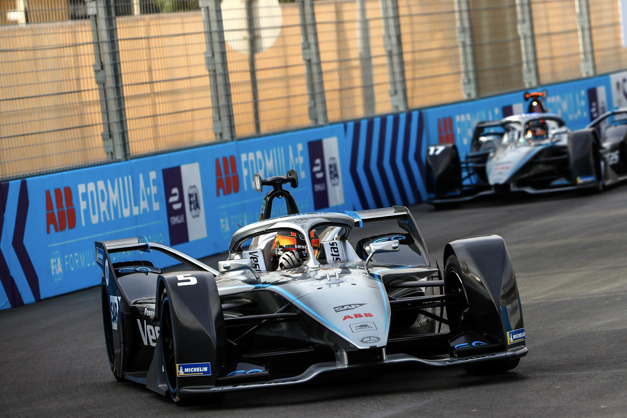 Stoffel Vandoorne and Nyck de Vries during the 2019 Saudi E-Prix