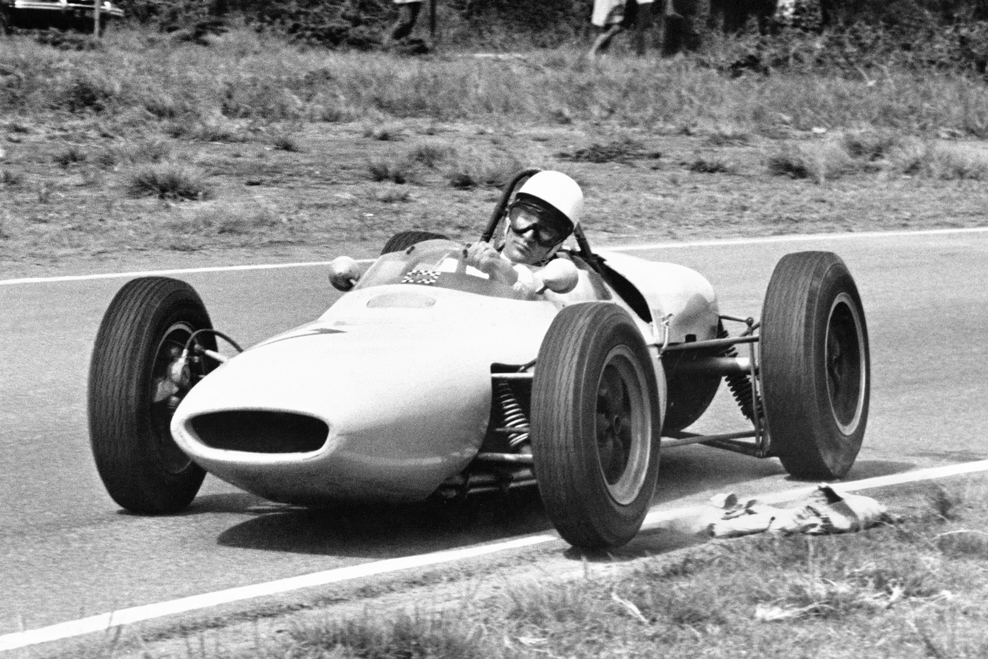 Strilinmg Moss at the 1961 South African Grand Prix