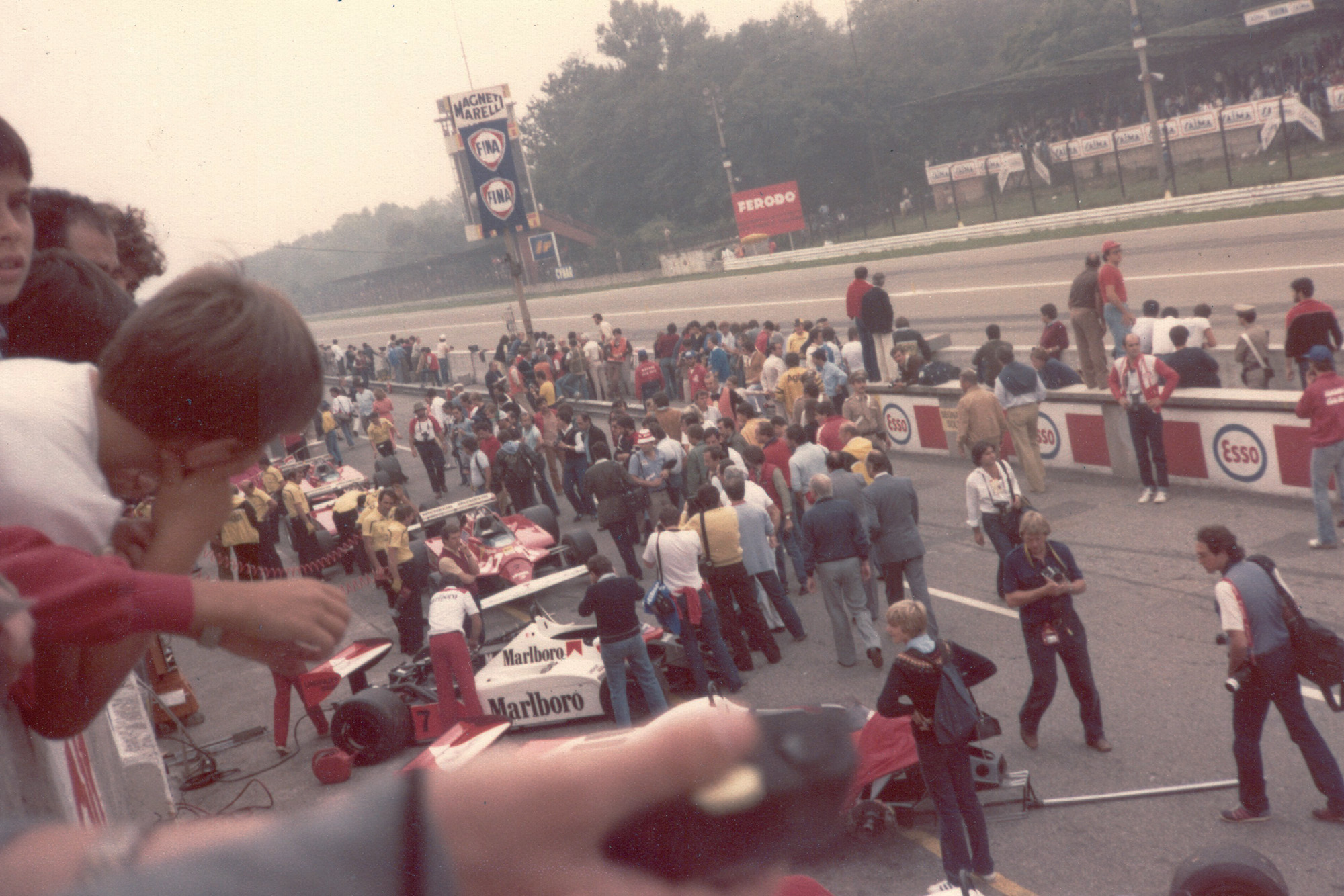 Cars parked in the 1981 Italian GP pitlane