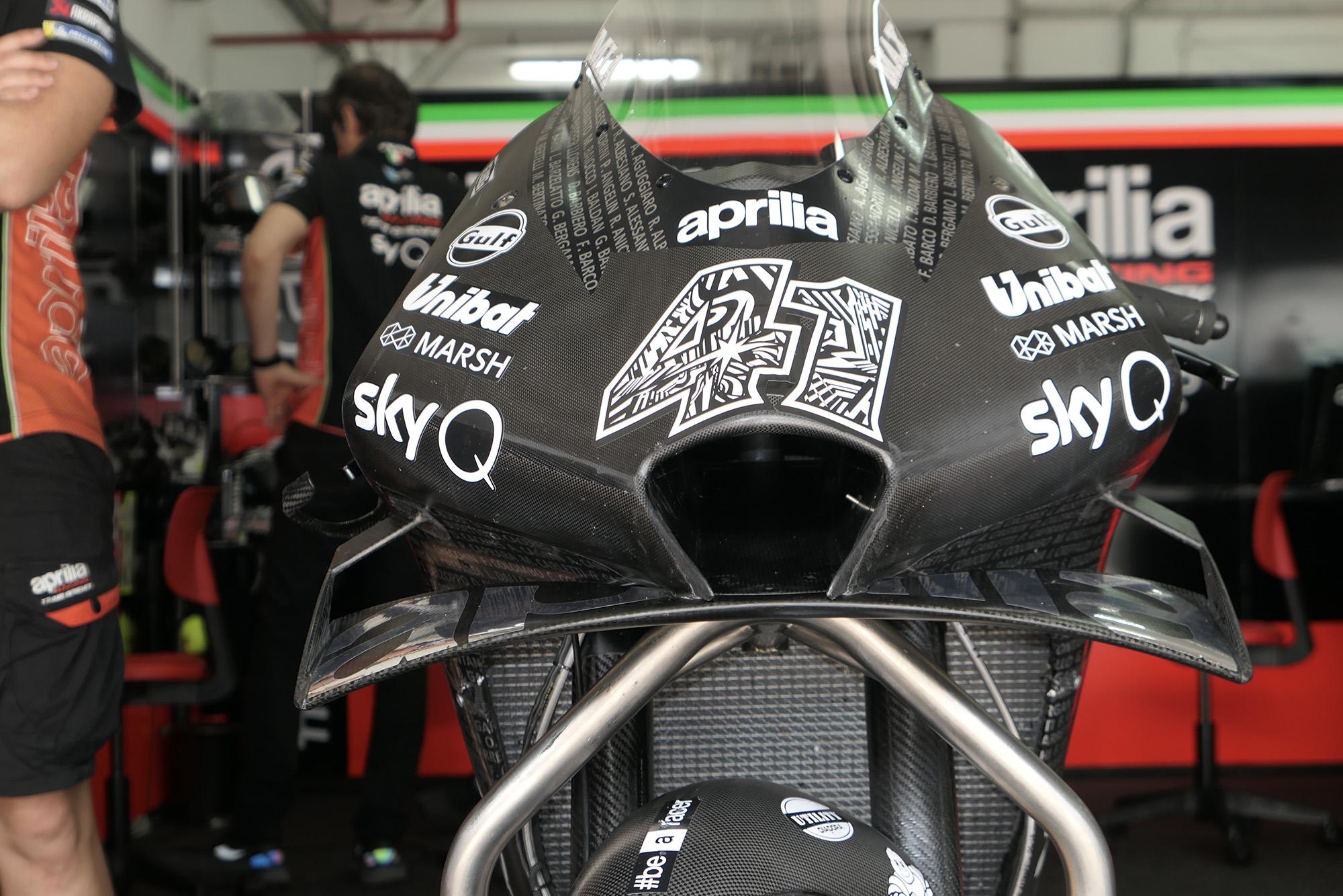 Front view of Aleix Esparagro's Aprilia in 2020 pre-season MotoGP testing