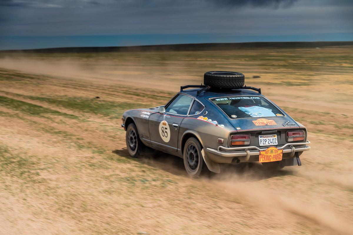 Safari Rally Datsun dust