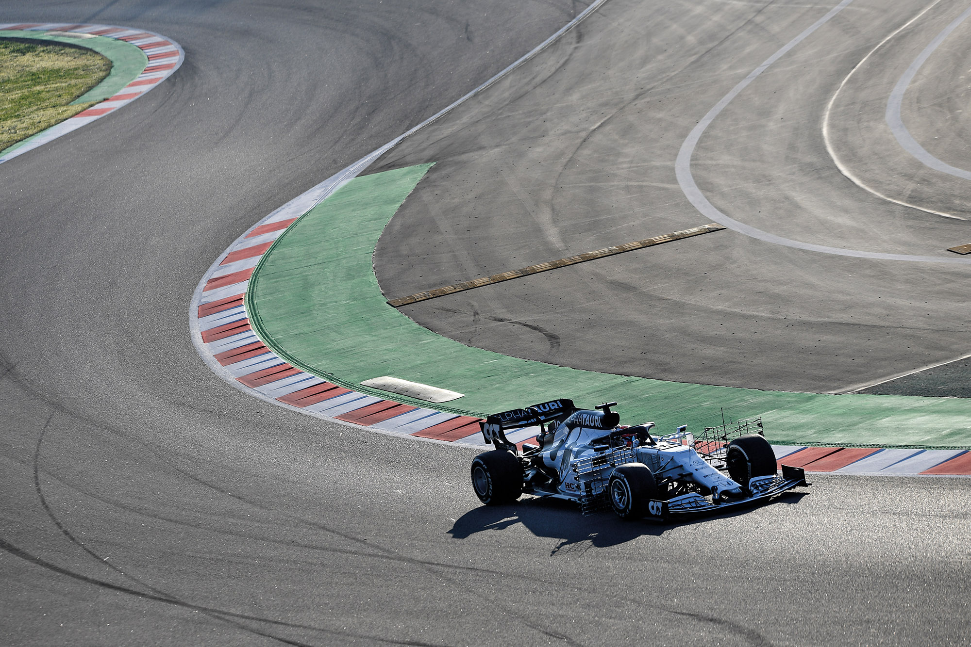 Pierre Gasly of France driving the (10) Scuderia AlphaTauri AT01 Honda