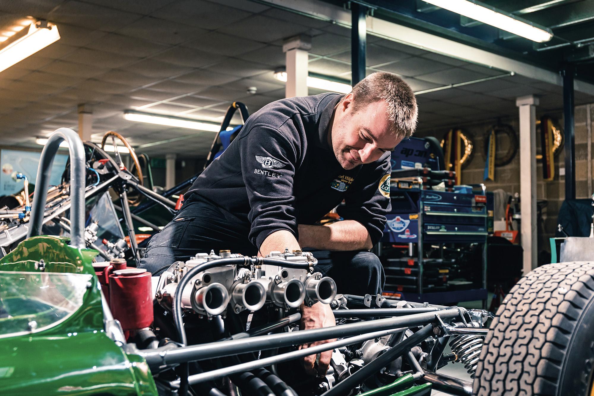 Lotus 22 mechanic