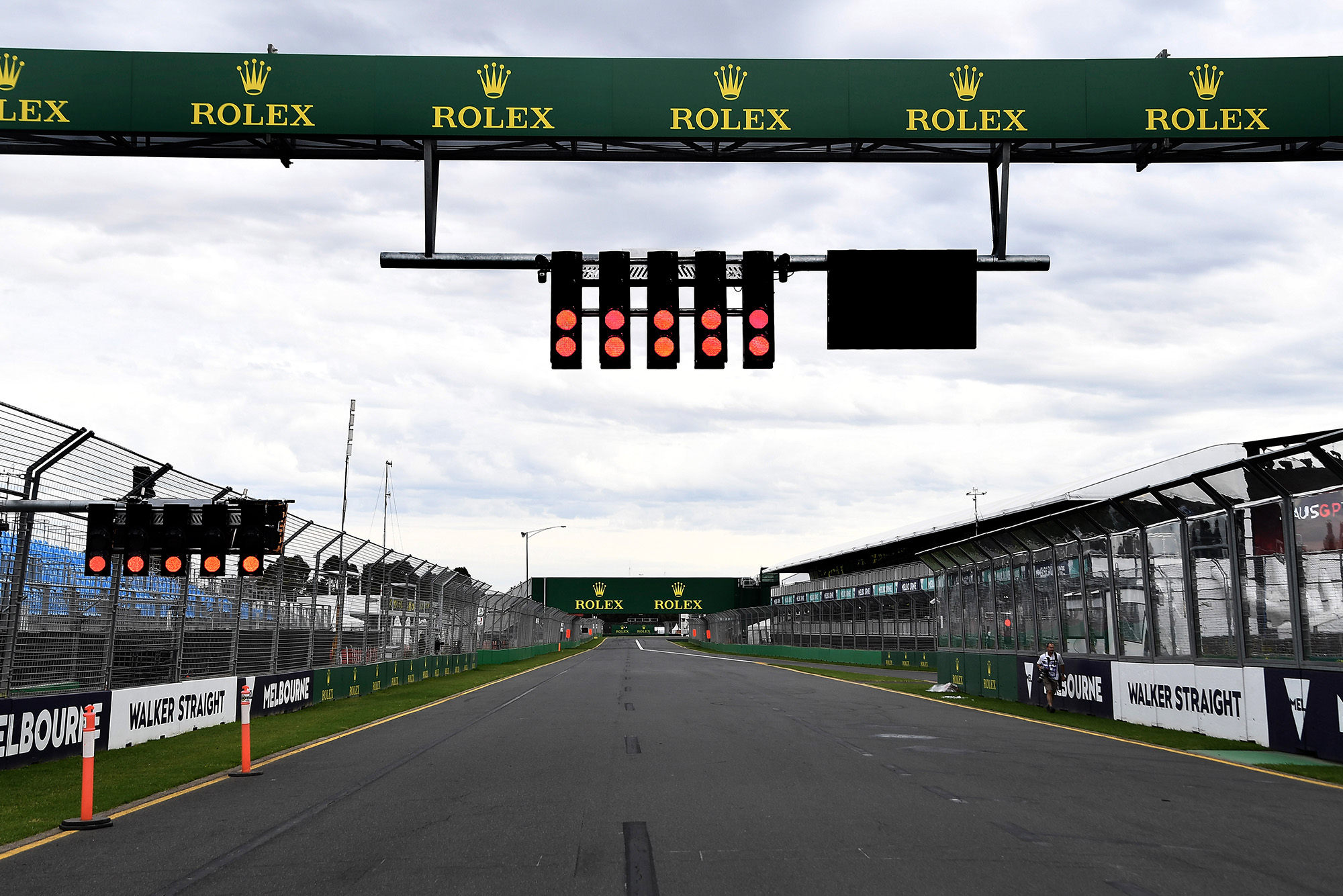 Inside the chaos: 34 hours of confusion at the cancelled Australian Grand Prix