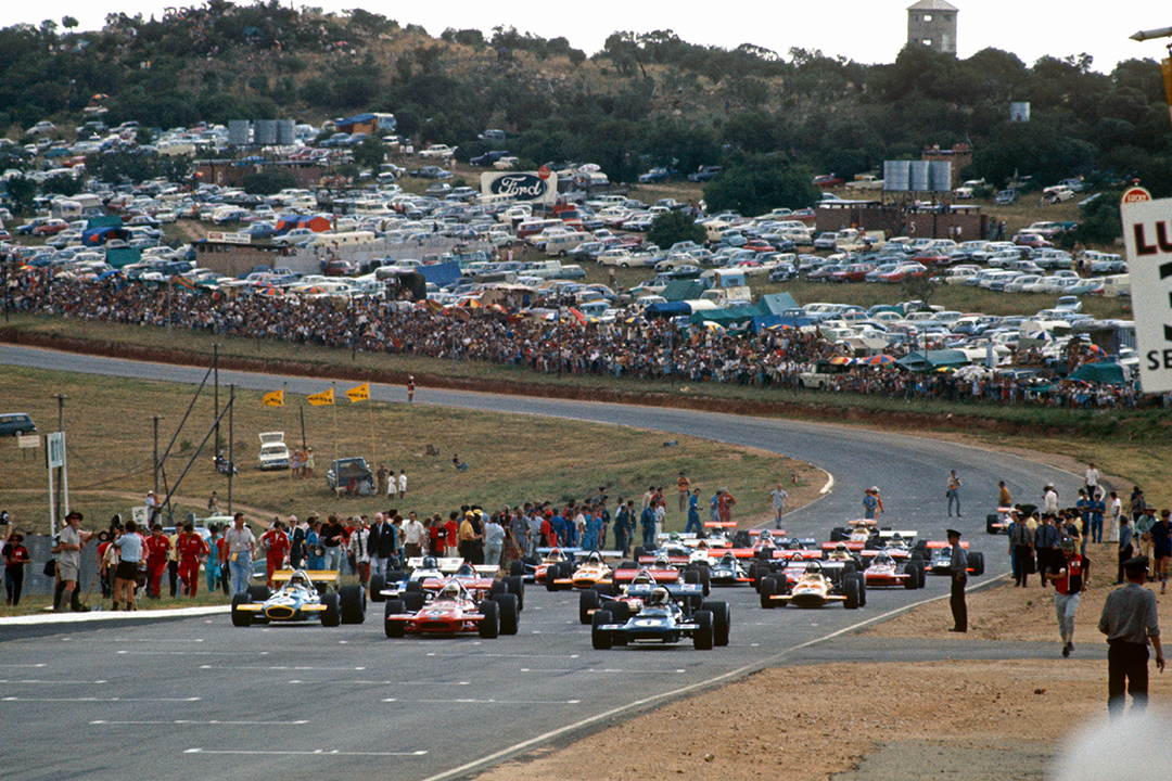 Start of the 1970 F1 South African Grand Prix at Kyalami