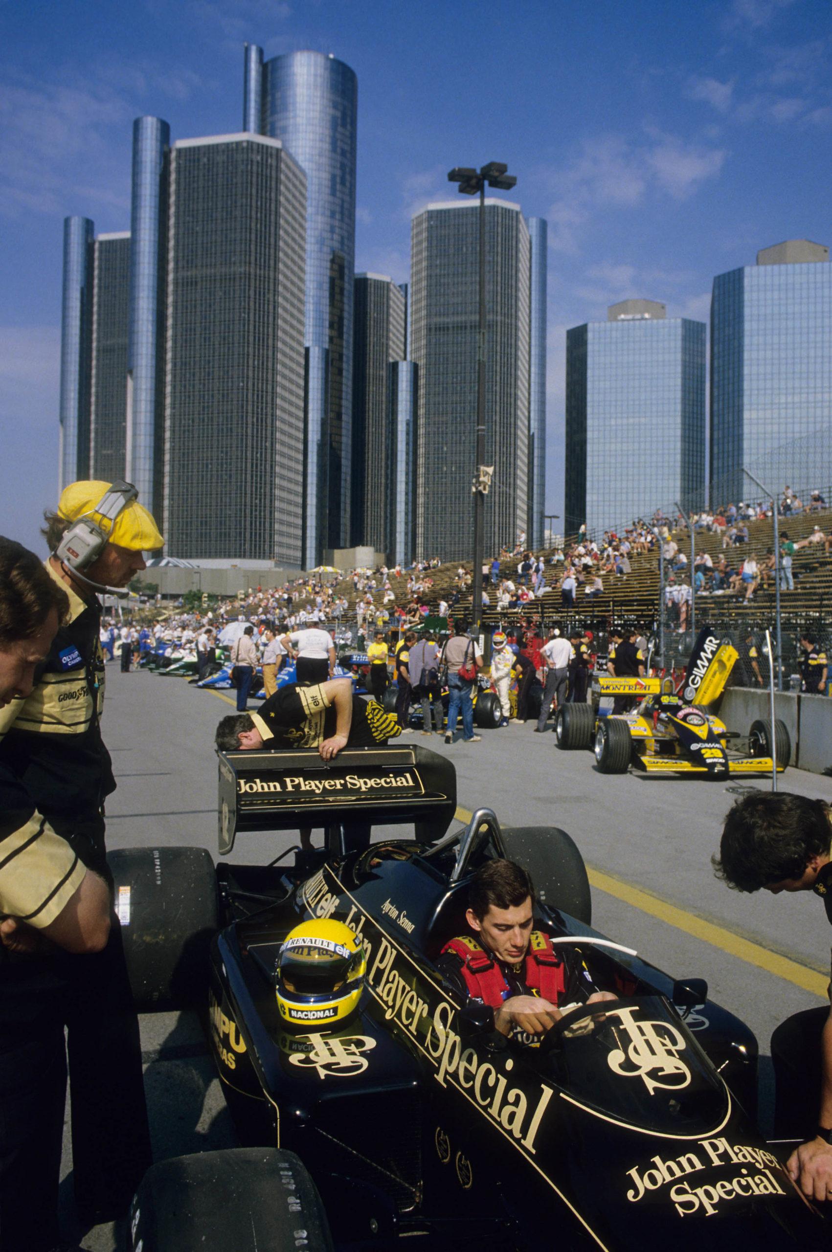 Ayrton-Senna-ahead-of-the-1985-Detroit-Grand-Prix