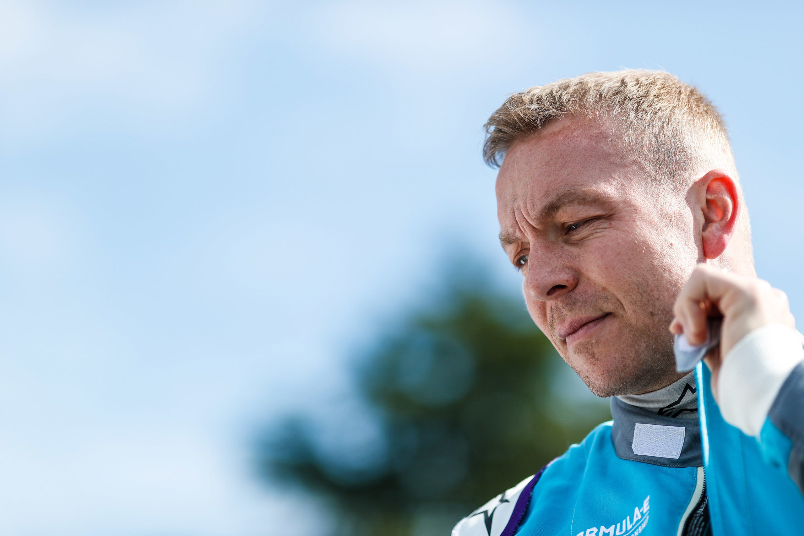 Chris-Hoy-Formula-E-suit-scaled.jpg