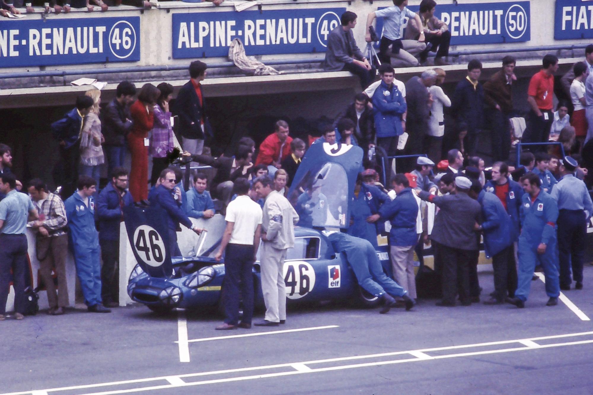 1969 Le Mans 24 Hours Alpine A210 pits