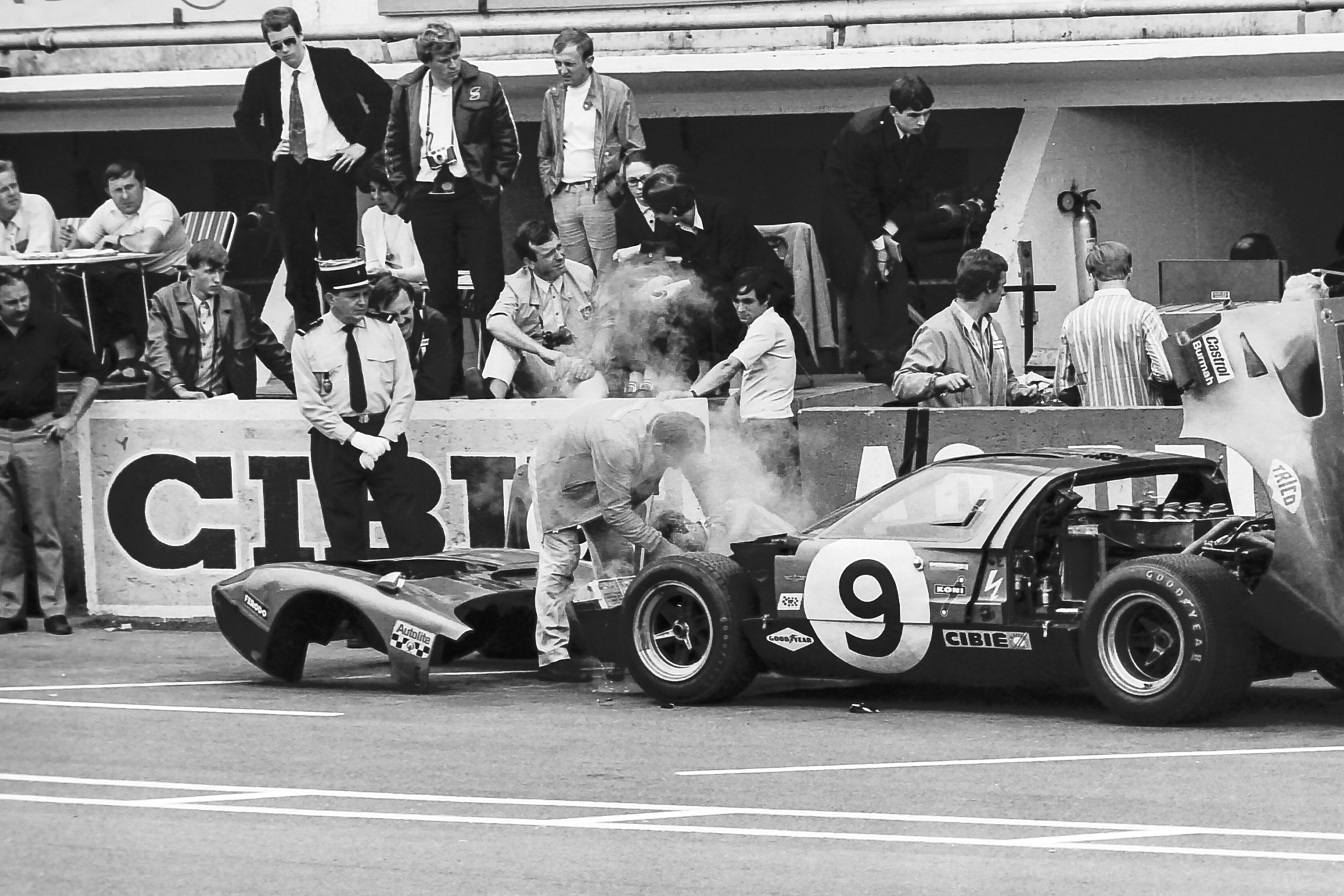 1969 Le Mans 24 Hours Alan Mann GT40 in pits