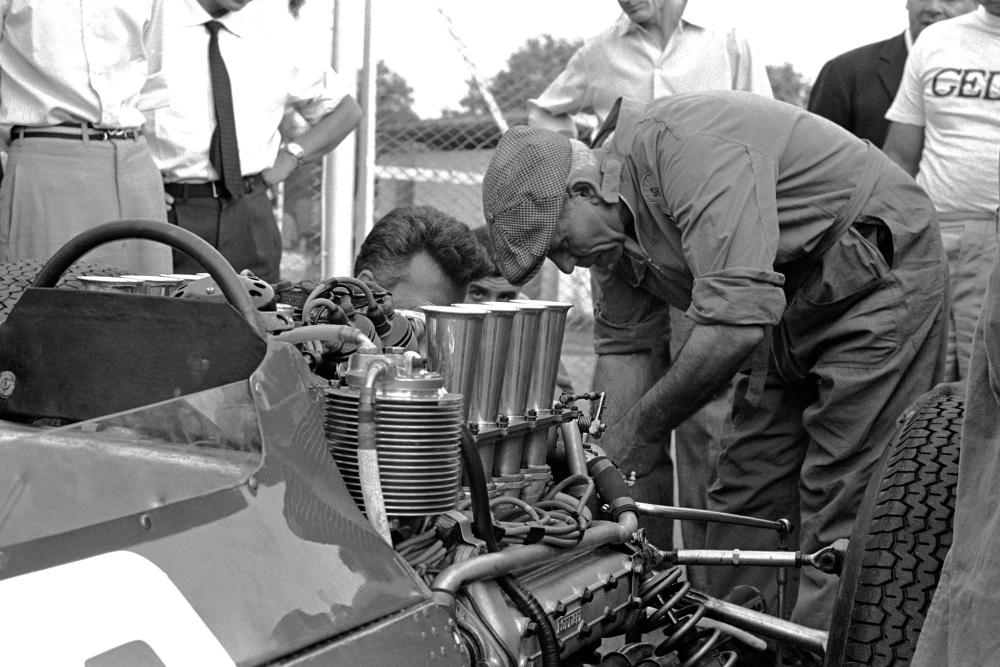 Ferrari 158 engine