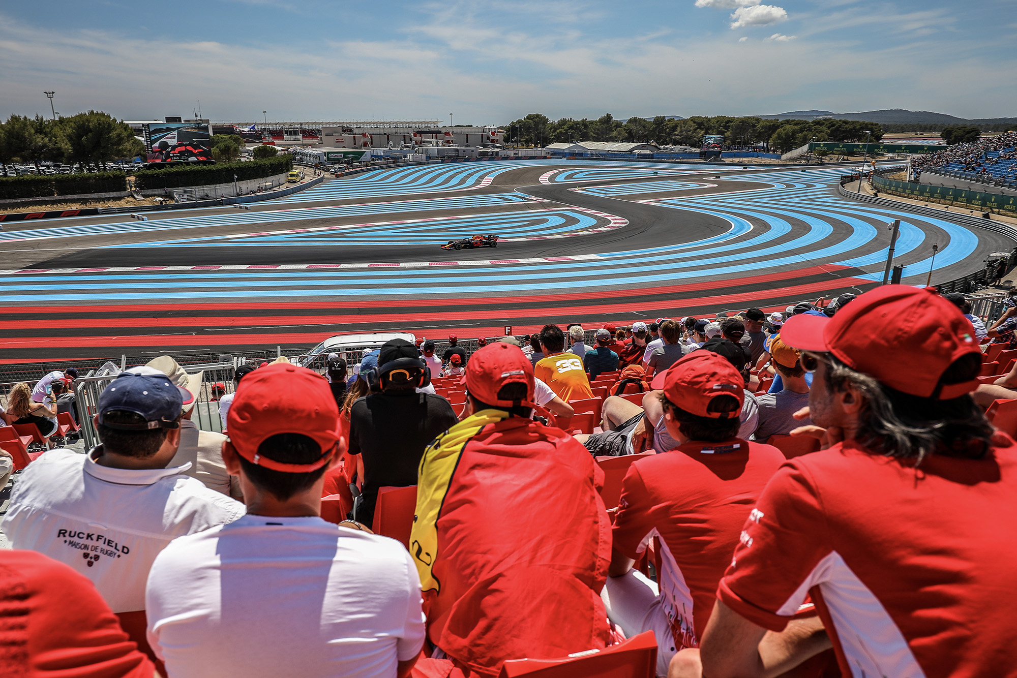 Spectators watching the rench Grand Prix at Paul Ricard