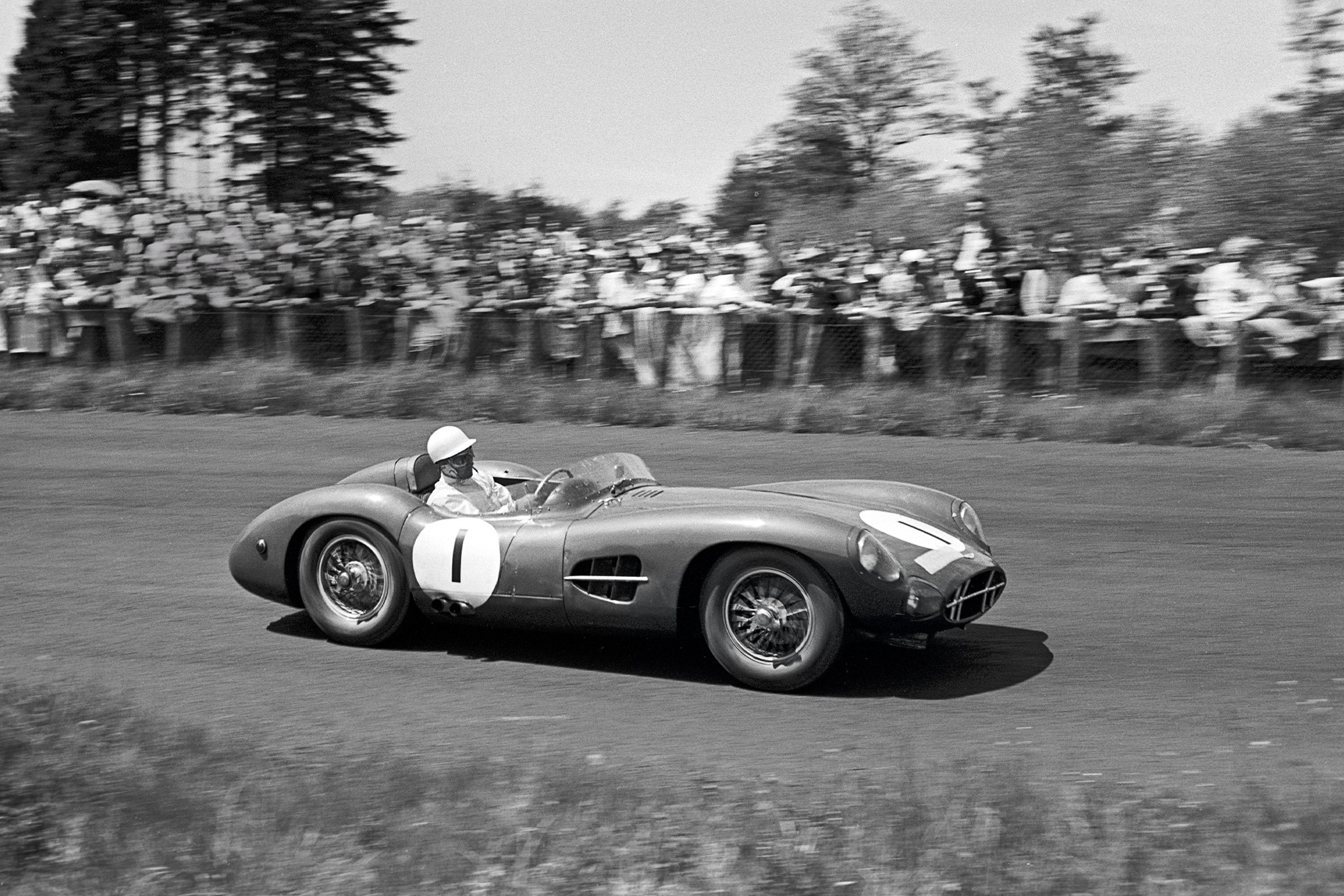 Stirling Moss in the Aston Martin DBR1 during the 1958 Nurburgring 1000km