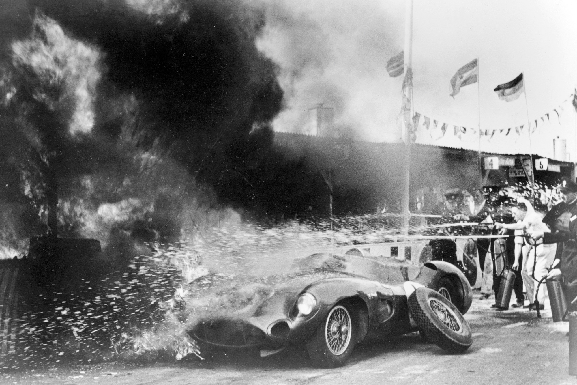 Pitlane fire at Goodwood in 1959