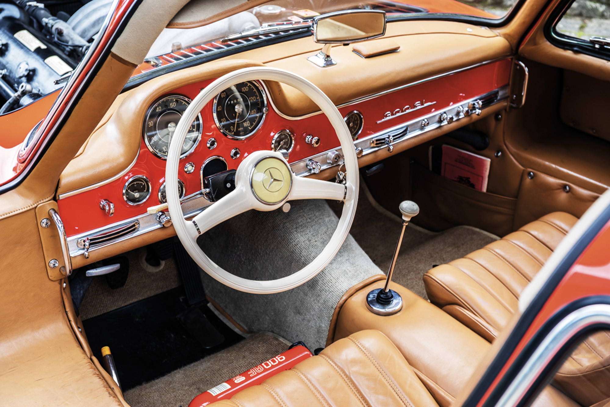300SL interior