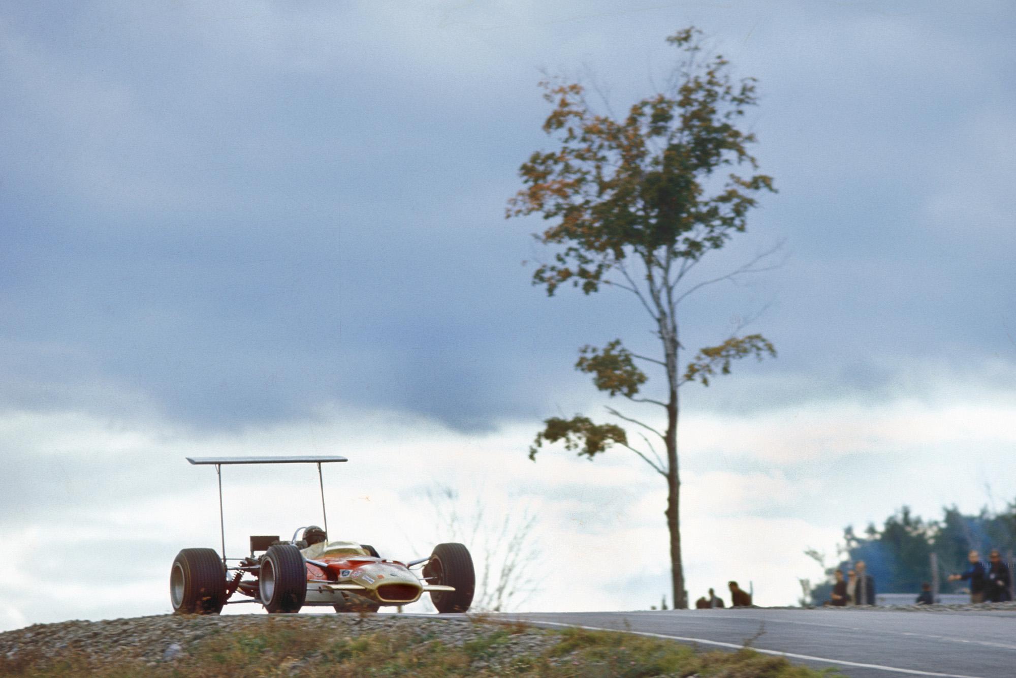 MPH Grand Prix debuts: the sensational arrival of Mario Andretti