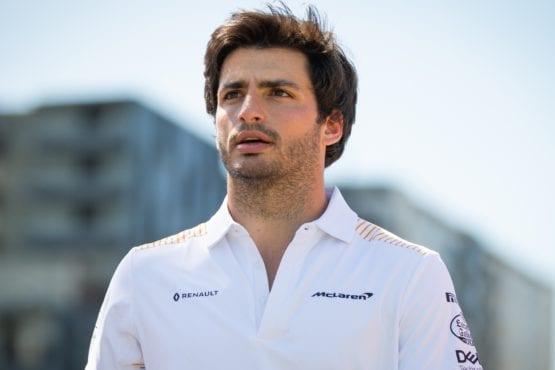Ferrari announces Carlos Sainz as Vettel replacement