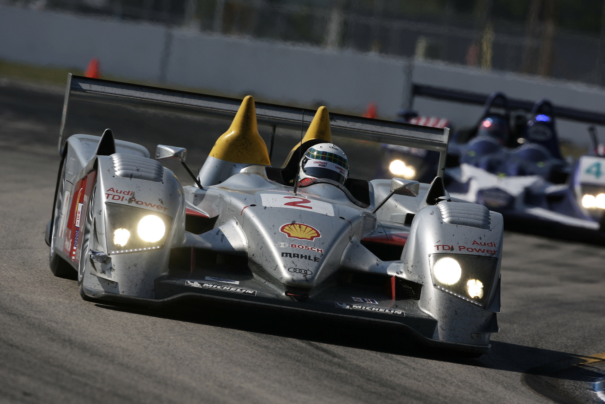 Allan McNish in the Audi R10 at the 2006 12 Hours of Sebring