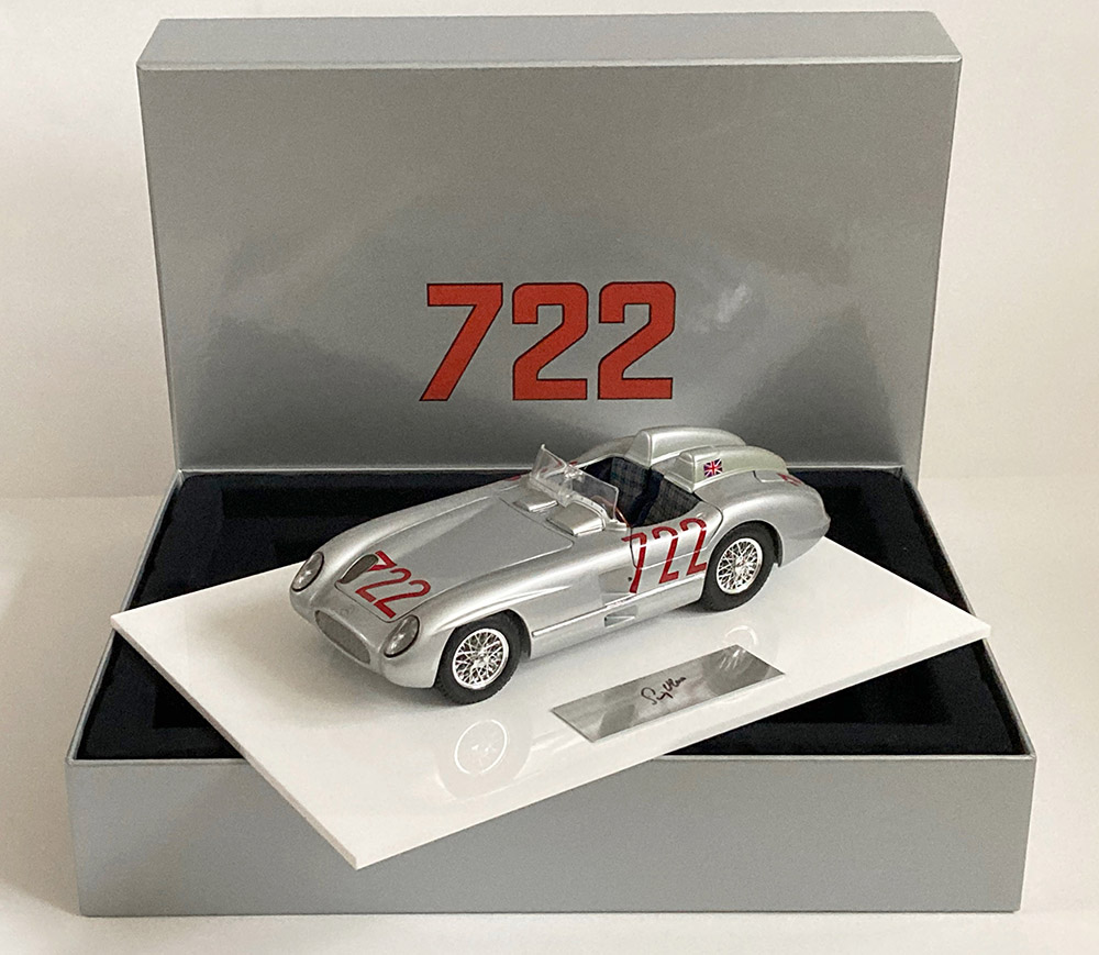 Product image for Stirling Moss – Mercedes-Benz 300 SLR – 1955   Box-Set   signed Stirling Moss   1:18 scale